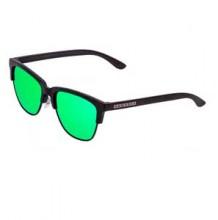 Carbon-Black-Emerald-Classic